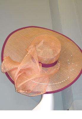 Darfs ein neuer Hut sein? Coy - Art to Wear in den Hackeschen Höfen in Berlin